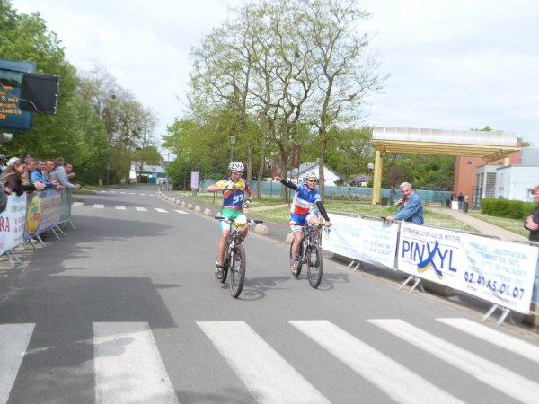 Compétition VTT FFC 37 à Montlouis le 05 mai 2013