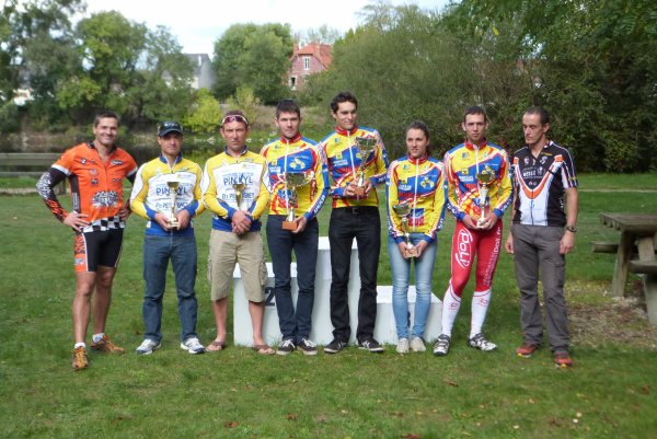 Compétition VTT UFOLEP 4 Heures d'Azay/Cher le 06 octobre 2013