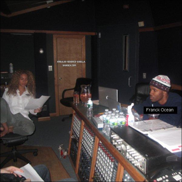 - 10/03/2011~ : Beyoncé était en studio avec Frank Ocean  -