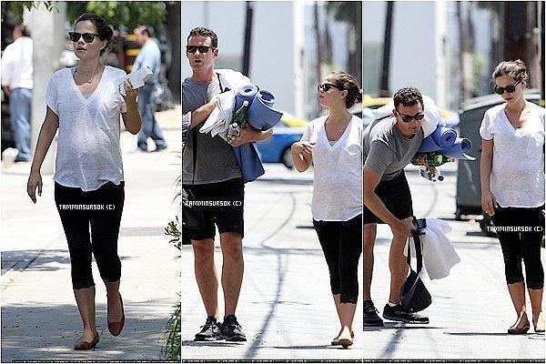 Le 09/07/13: Tammin a était vue avec sont Mari sortir de la salle de Yoga