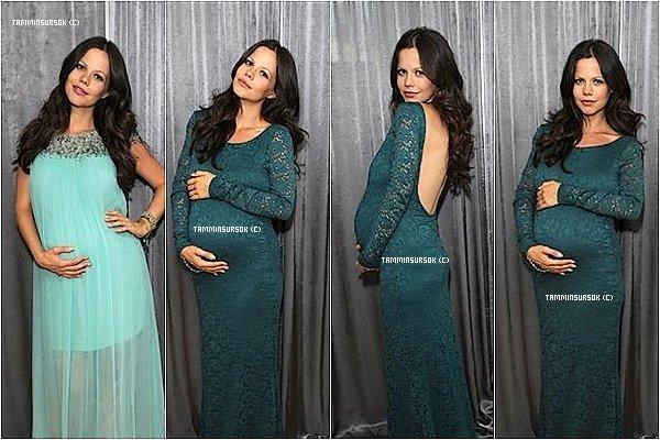 Le 30/07/13: Tammin entrain de essayé des robes de maternité
