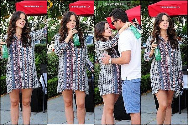 29.08/13 : Tammin était avec son cheri a Los Angeles devant un restaurant Ils sont choux de se faire des bisous j'ai hâte de voir la petite arrivé