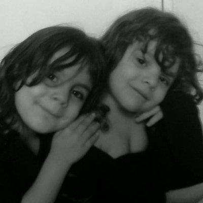 mes filles maéva et victoria