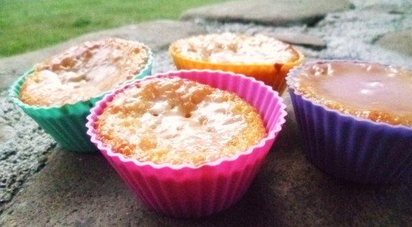 Muffins au citron glaçage framboise