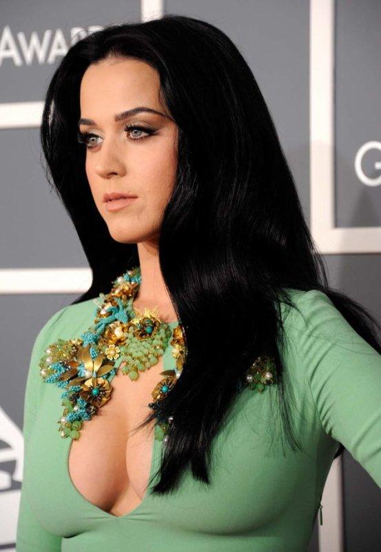 """""""Witness"""" : Katy Perry fait tomber le masque dans le teaser de son nouvel album"""