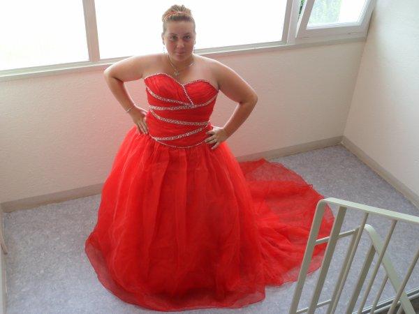 Robe de mariée rouge By Candice Couture