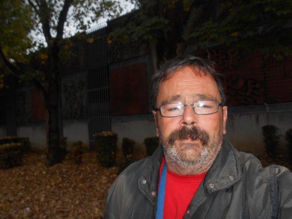 Une petit photo de moi à Creil, fait le dimanche 22 octobre 2017 ( au quartier du Moulin )