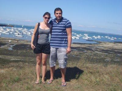 mon homme  et moi a la plage