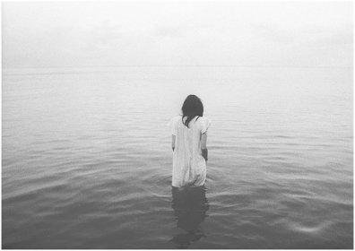J'me sens seule, malgré tout, malgré vous.