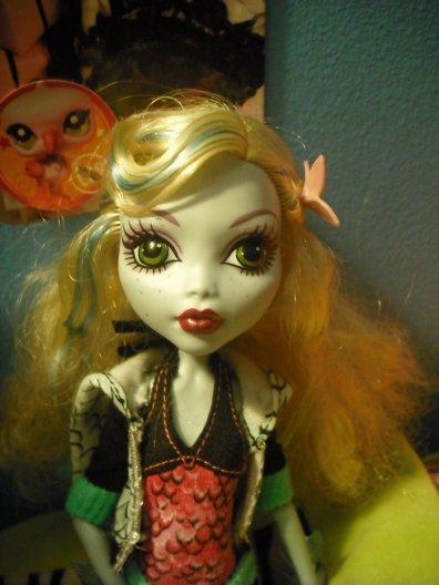 Ma monster High et Zoey avec son obitsu ! :D