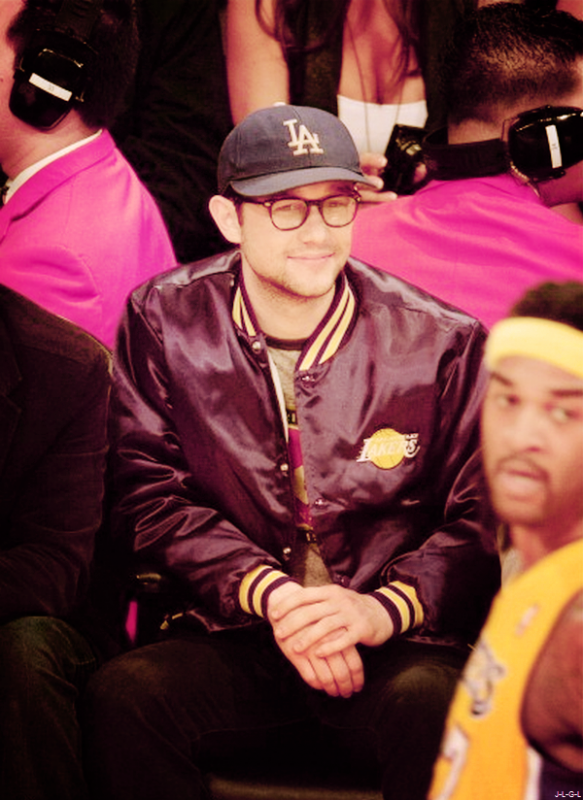 Joe au match des Lakers le 13/02/14 ♥