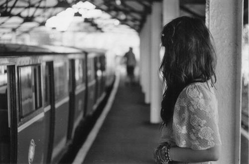 Oublier est la chose la plus difficile à faire lorsque l'on aime quelqu'un .