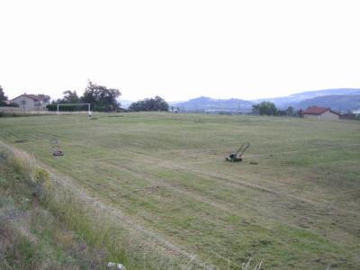 La pelouse de pourzin en pleine entretien pourzin un for Entretien de la pelouse