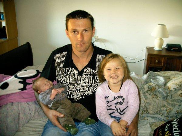 mon copain et nos deux enfant