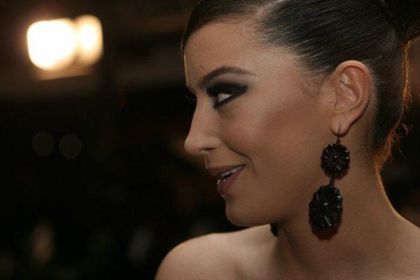 Dafina Zeqiri ne Musik Video fest  16.05.2011