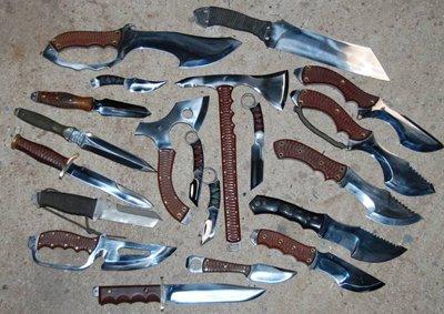 la reserve de couteau de combat