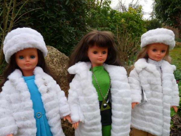 3 Drôle de Dames, 3 Manteaux, 3 Années ...
