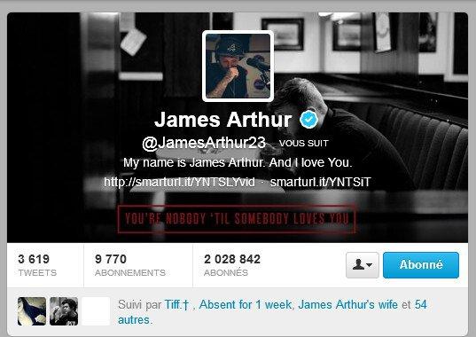 LES GENS JAMES ARTHUR ME SUIT SUR TWITTER !!!