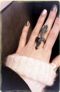 eleanor a poster une photo de sa jolie avec une magnifique manucure sur son instagram ♥