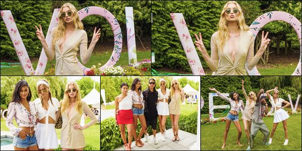 - 22/07/17 - La mannequin Elsa Hosk était présente à l'événement « #RevolveInTheHamptons » dans les Hamptons ! Elsa était à la fête avec des amis et anges Victoria Secret. La belle Suédoise était sublime comme à son habitude, je lui accorde un beau top - avis ?-[/alig fen]