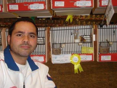 FOTO CON EL 2 PREMIO  EN FAHEO AMARILLO INDIVIDUAL , I INTERNACIONAL 2010