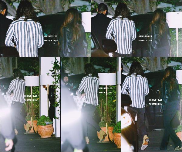 05.12.2015 - Harry a été aperçu quittant le restaurant Ysabel en compagnie d'une amie, à Los Angeles ! Rien a dire vraiment, j'aime bien sa tenue tout va bien ensemble. Sachez que les garçons sont bientôt en break malheureusement.