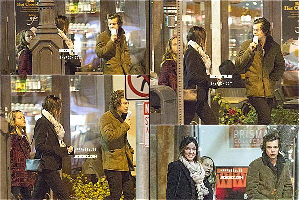 04/03/14 : Harry Styles aperçu avec Christa Miller et Jennifer Meyer dans Culver City ! H à vraiment l'air de bonne humeur. C'est le retour du manteau marron. J'aime beaucoup donc TOP pour moi !