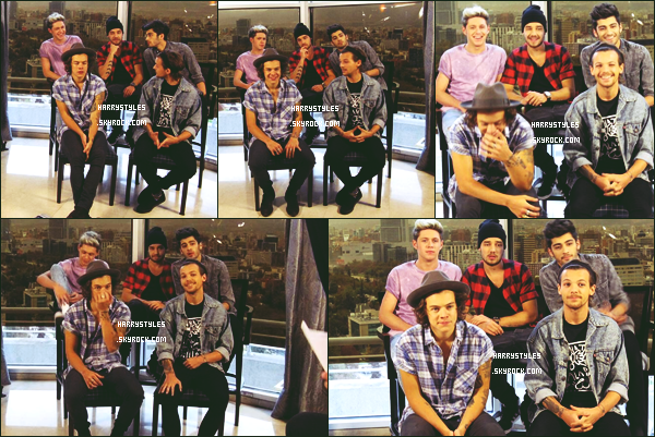 - 01/05/14 : Les One Direction ont donné une nouvelle  « Conférence de Presse  » à Santiago au Chili. Les boys étaient très receptifs  !  D'après les photographies que l'ont peut voir sur le montage ! Perso, je suis déçu du look d'Harry ! -