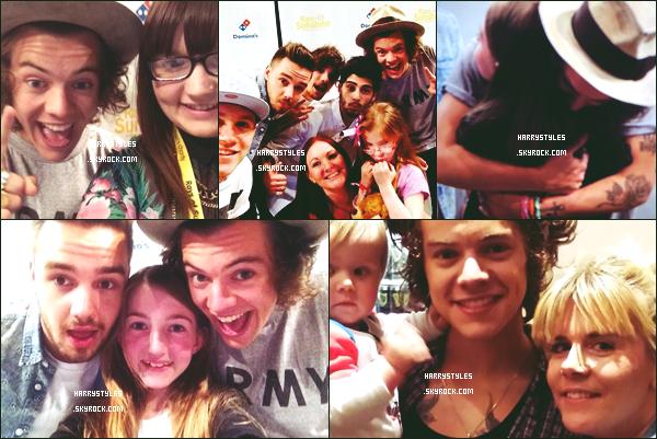 - 08/06/14 : Les One Direction ont participé à un meeting pour  « Ray of Sunshine ». Les boys ont posé avec des fans pour l'occasion ! Perso, je suis totalement fan du look d'Harry ! -