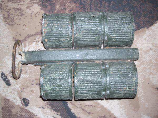 claie de portage pour MG 13 avec ces 3 chargeurs double