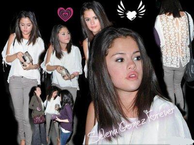 Selena gomez fôrêvêr   Selena Gomez une Sortie entre Copines a L.A ( Los Angeles ) ! super son look !!