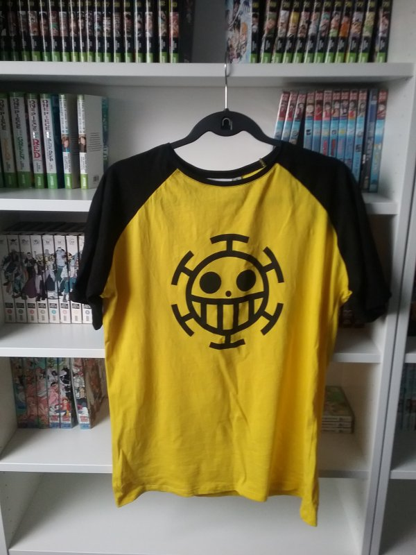 T-shirt + Sweat Trafalgar D. Water Law  - Derniers achats