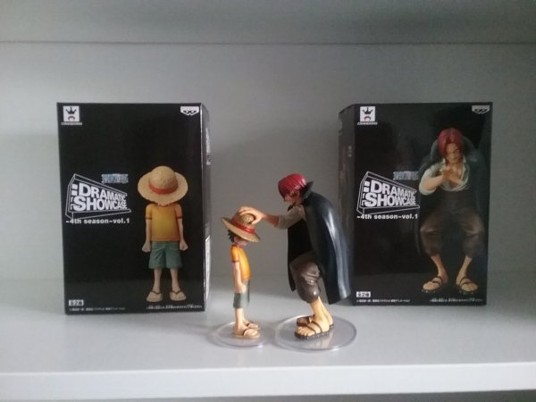 Figurines Luffy x Shanks (Dramatic Showcase) + dvd 4 films (2 de One Piece, 1 Ao no Exorcist & 1 Naruto) - Ma collection
