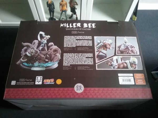HQS Killer Bee & Hachibi de Tsume - Collection