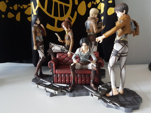 Diorama Ichiban Kuji de Shingeki no Kyojin - Eren Yaeger, Mikasa Ackerman, Livaï Ackerman, Hanji Zoe & Mike Zacharias
