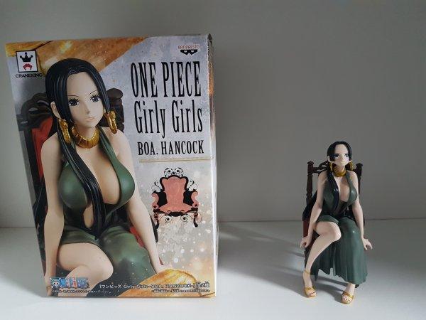 Nami (Glitter & Glamours, christmas style) + Boa Hancock (Girly Girls)