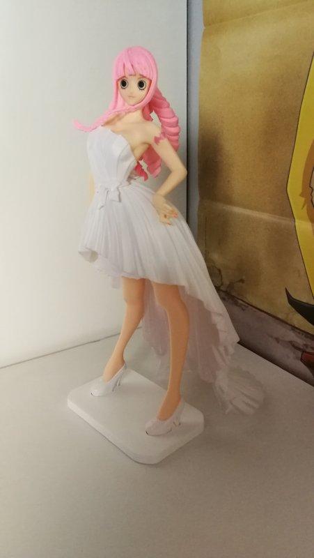 Vivi & Perona (Lady Edge Wedding) + Luffy (Magazine figure)