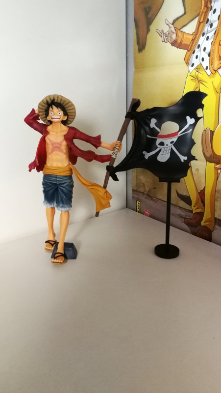 Vivi & Perona (Lady Edge Wedding) + Luffy (Magazine figure)