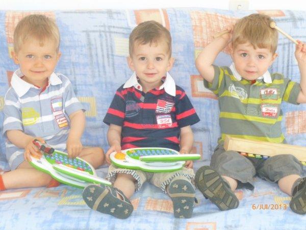 6 juillet 2013 : Alex, Ylan et Léo 30 mois