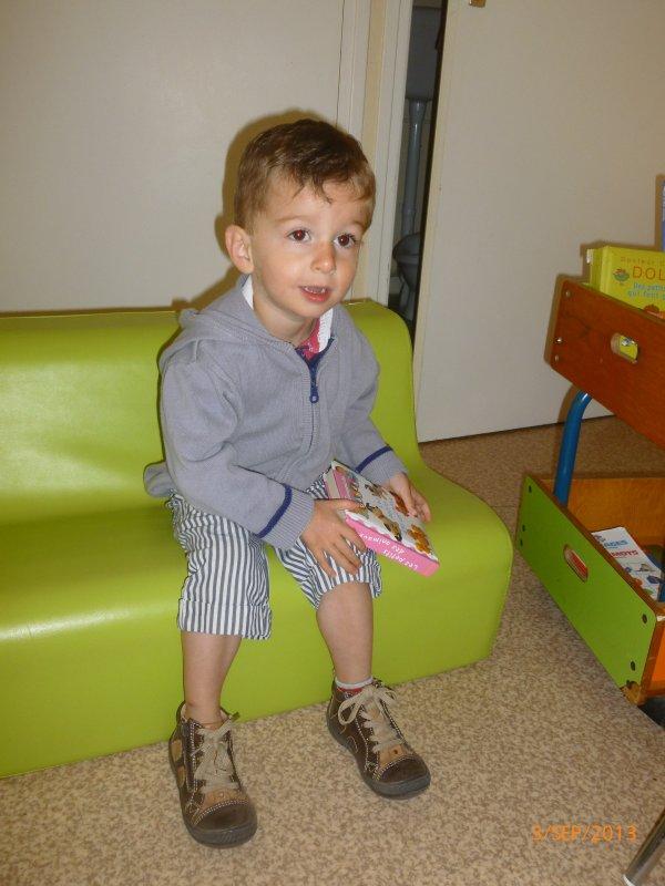 3 sept 2013 : les garçons découvrent leur salle de classe