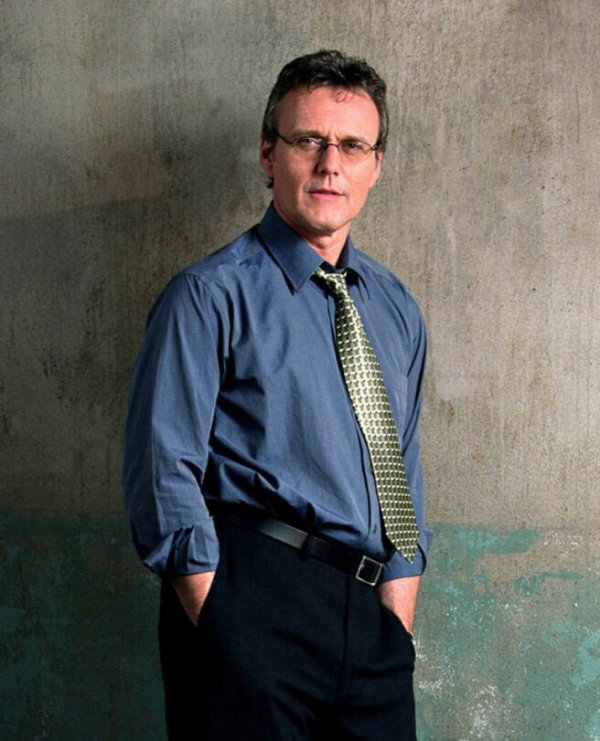 Biographie Anthony Stewart Head