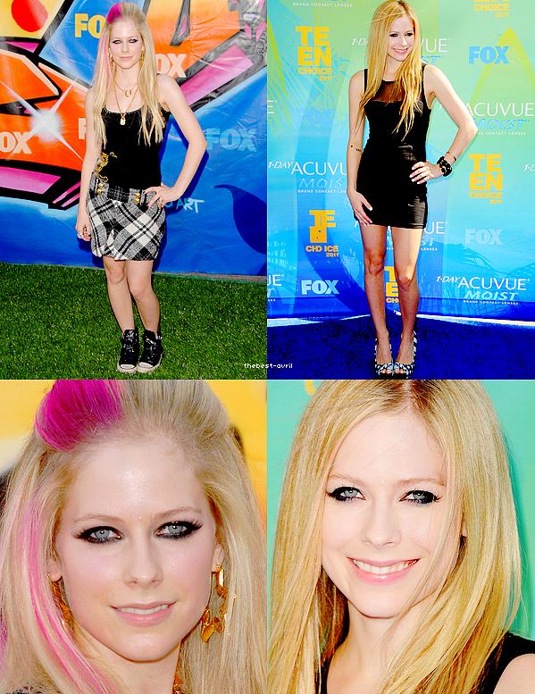 thebest-avril Avril est allée 2 fois au Teen Choice Award En quelle années vous préféré sa tenue? Son Make-Up ? Sa coiffure?