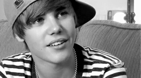 « You were born to be a superstar. Justin Drew Bieber. »