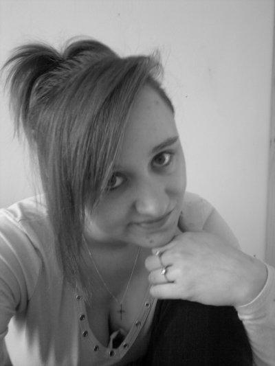 Moi, tout simplement, je ne changerai jamais rien que pour vos beau yeux!! (l)