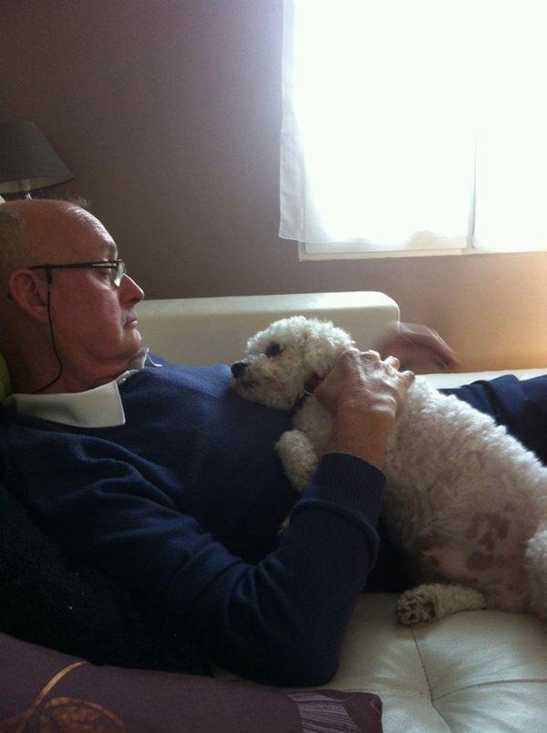 gerard  et son chien ,