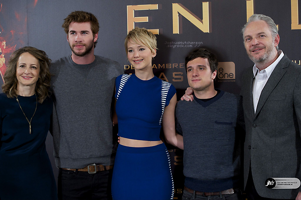+ 2013 || catching fire madrid premiere.