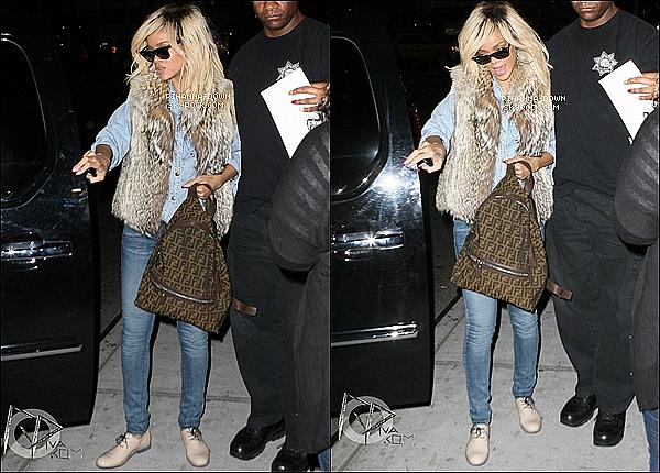 . 12/03/12Après être sortie de son hôtel, Rihanna s'est rendue au « Milk Studio » pour un photoshoot. Nous n'avons pas plus d'informations pour le moment mais nous avons hâte d'en savoir plus !