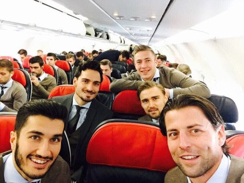 Les joueurs cette semaine (17/03) (Aubameyang,Reus,Hummels,Sahin,Schmelzer)