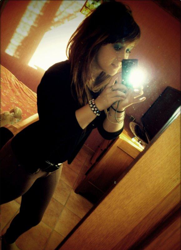 Si ton coeur aime mon coeur comme mon coeur aime ton coeur alors ton coeur et mon coeur ne feront plus qu'un  <3