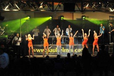 Castelnau-de-guers, une fête au son de l'orchestre Paul Selmer.